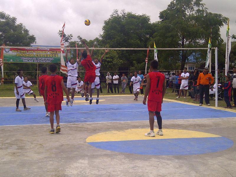 Dandim 0106/Ateng Buka Tunamen Volly Ball Dandim Cup-I/2014
