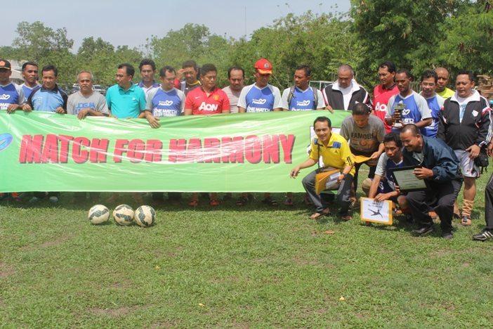Korem FC Terima Tropi dalam Turnamen CSR PT Timah Cup