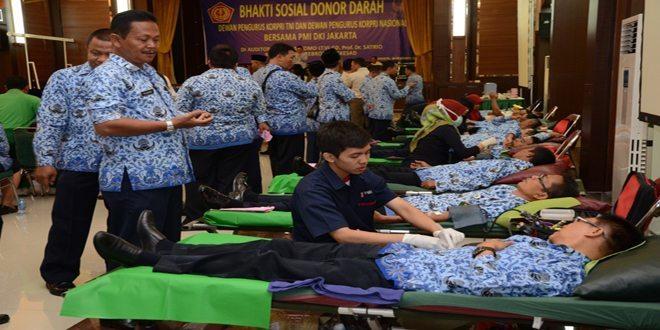 HUT ke-43 Korpri : Ratusan Anggota Korpri Donorkan Darah