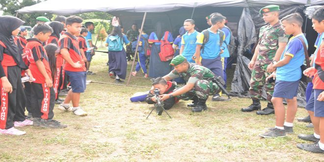Korem 121/Abw Pameran Alutsista dan Perlengkapan TNI