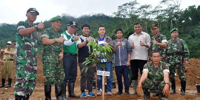 Danrem 071/WK Tanam Pohon Longsor Banjarnegara