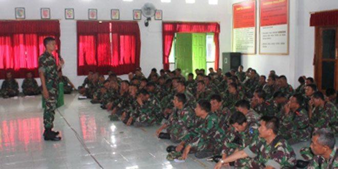 Jam Komandan Sarana Penyampaian Informasi Kepada Anggota