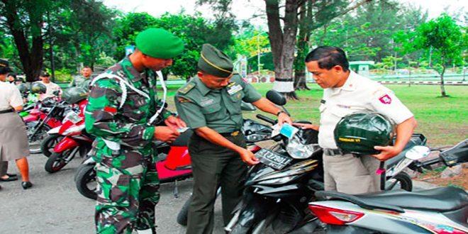 Pendam VI/Mlw Laksanakan Pemeriksaan Kendaraan Dinas dan Pribadi