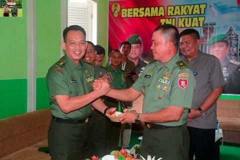 RAJUT KEBERSAMAAN DENGAN APEL GABUNGAN TNI POLRI TAHUN 2015