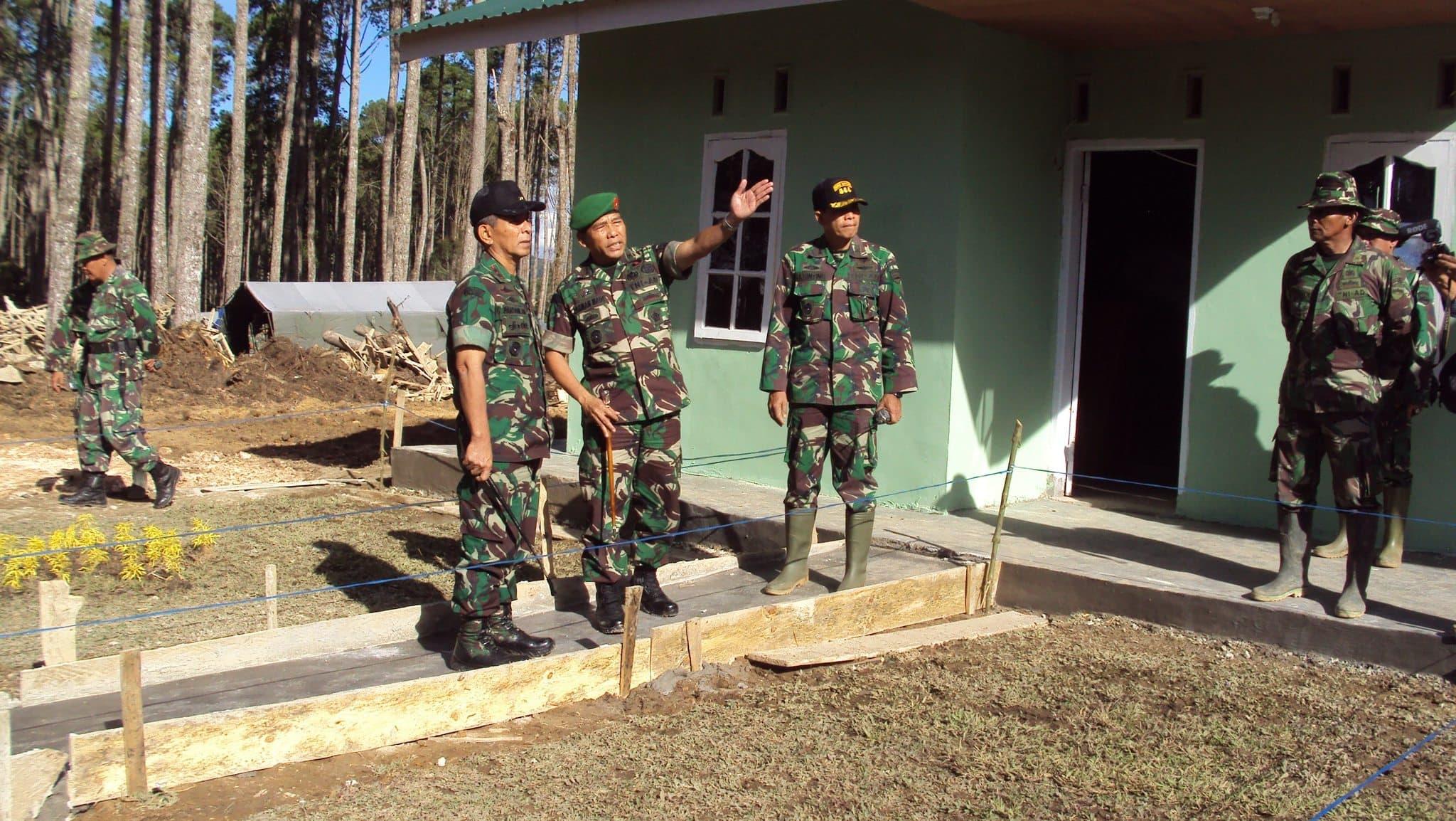 Pangdam I/BB Tinjau Pelaksanaan Karya Bakti Skala Besar Dalam Rangka Relokasi Perumahan Pengungsi Gunung Sinabung