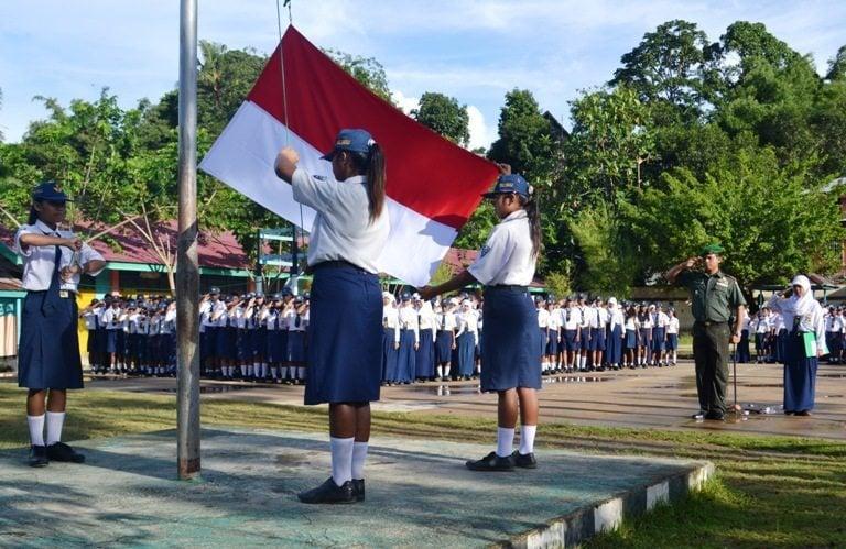 Danramil 1704-13/Sorong Barat Bertindak Selaku Irup di SMP Negeri 2 Sorong