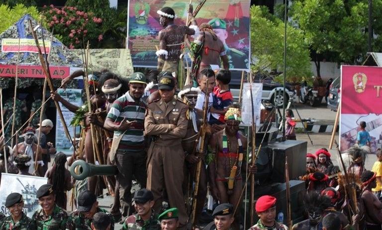 Pameran Alutsista TNI AD Sukses di Kodam XVII/Cenderawasih Masyarakat Papua Ucapkan Terimakasih