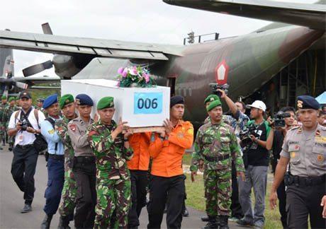 Pangdam XII/Tanjungpura Memantau Evakuasi Korban Pesawat Air Asia Qz-8501 Pangkalan Bun