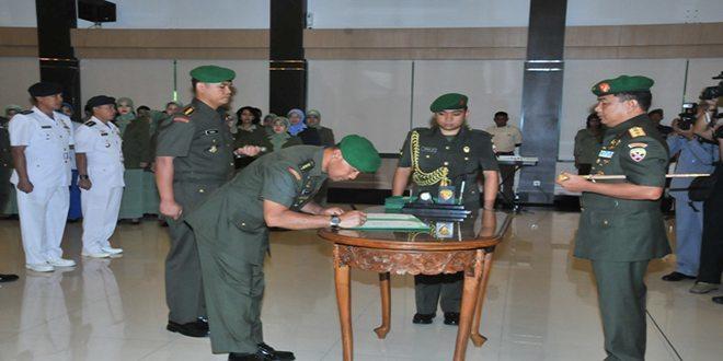 Pangdam Terima Laporan Korp Pelepasan dan Penerimaan Pejabat Kodam IX/Udayana