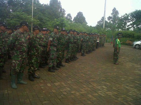 Dandim 0502/Jakarta Utara Pimpin Karbak Pembersihan Ciliwung