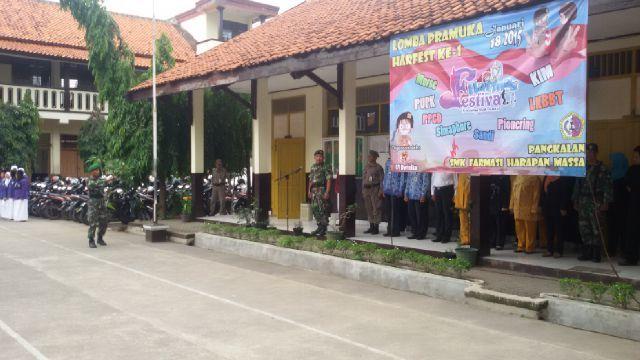 Danramil 02/Beji Menjadi Irup Upacara Bendera di SMK Harmas
