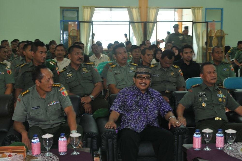 prajurit Korem mengikuti acara maulid nabi