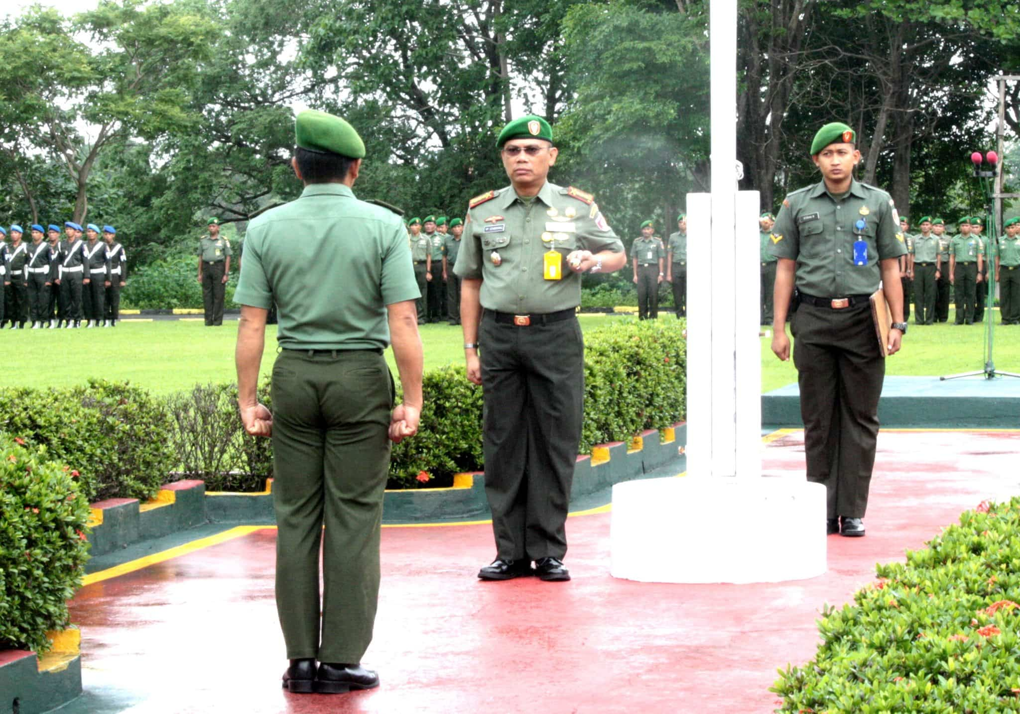 Upacara Bendera Minggu Pertama Korem 142/Tatag