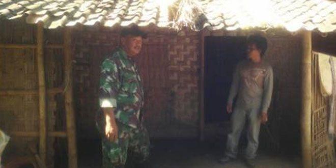 Babinsa Koramil 19/Tanon Hadiri Penyerahan Bantuan RTLH di Desa Slogo