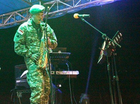 pisah sambut tugas Satgas Pamtas di Nunukan gelar hiburan dengan masyarakat