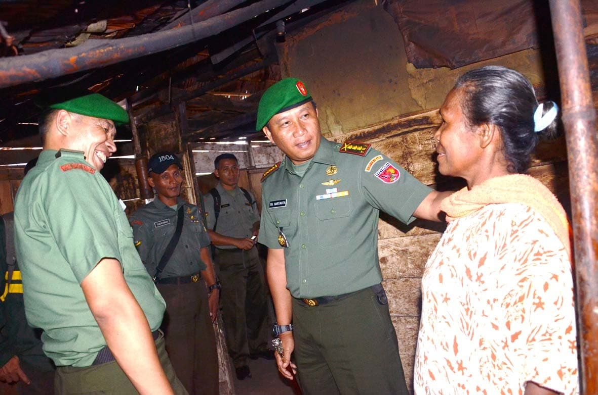 Korem 151/Binaiya Bidik Bedah Rumah di Negeri Lima dan Seith
