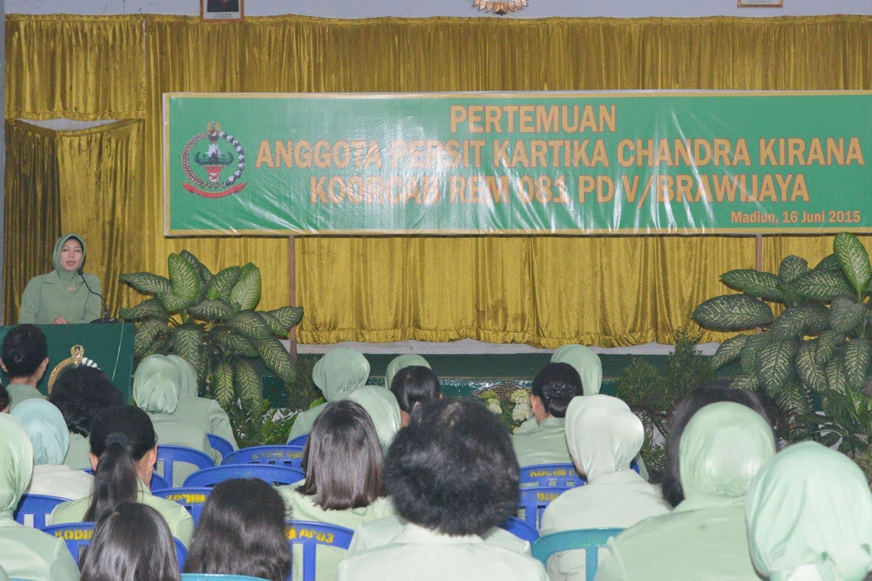 Arisan Persit Korem 081 (4)