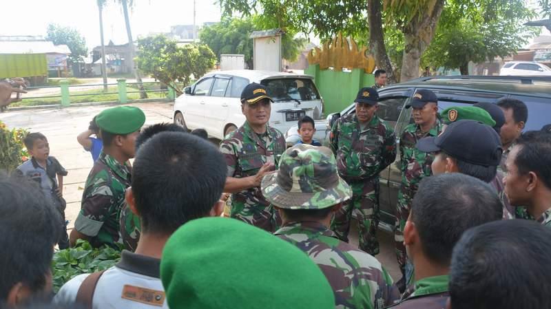 Komandan Korem 043/Gatam : Jangan Bertindak Anarkhis Dan Musyawarah Merupakan Jalan Terbaik .