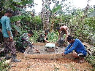 Kodim 0103/Aceh Utara melaksanakan kegiatan pembuatan Jamban