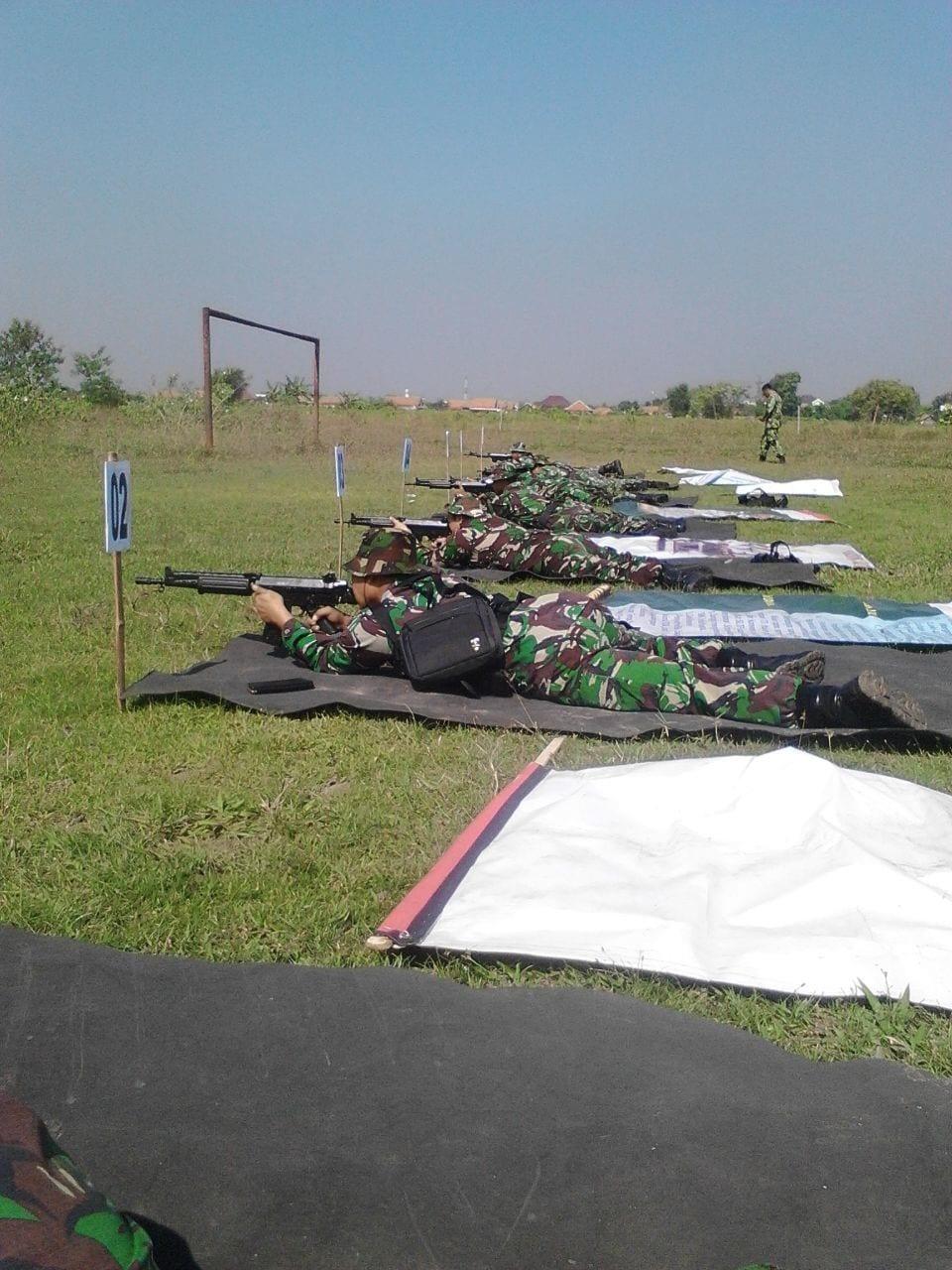 Latihan Menembak Senjata Ringan Untuk Tingkatkan Keterampilan Prajurit