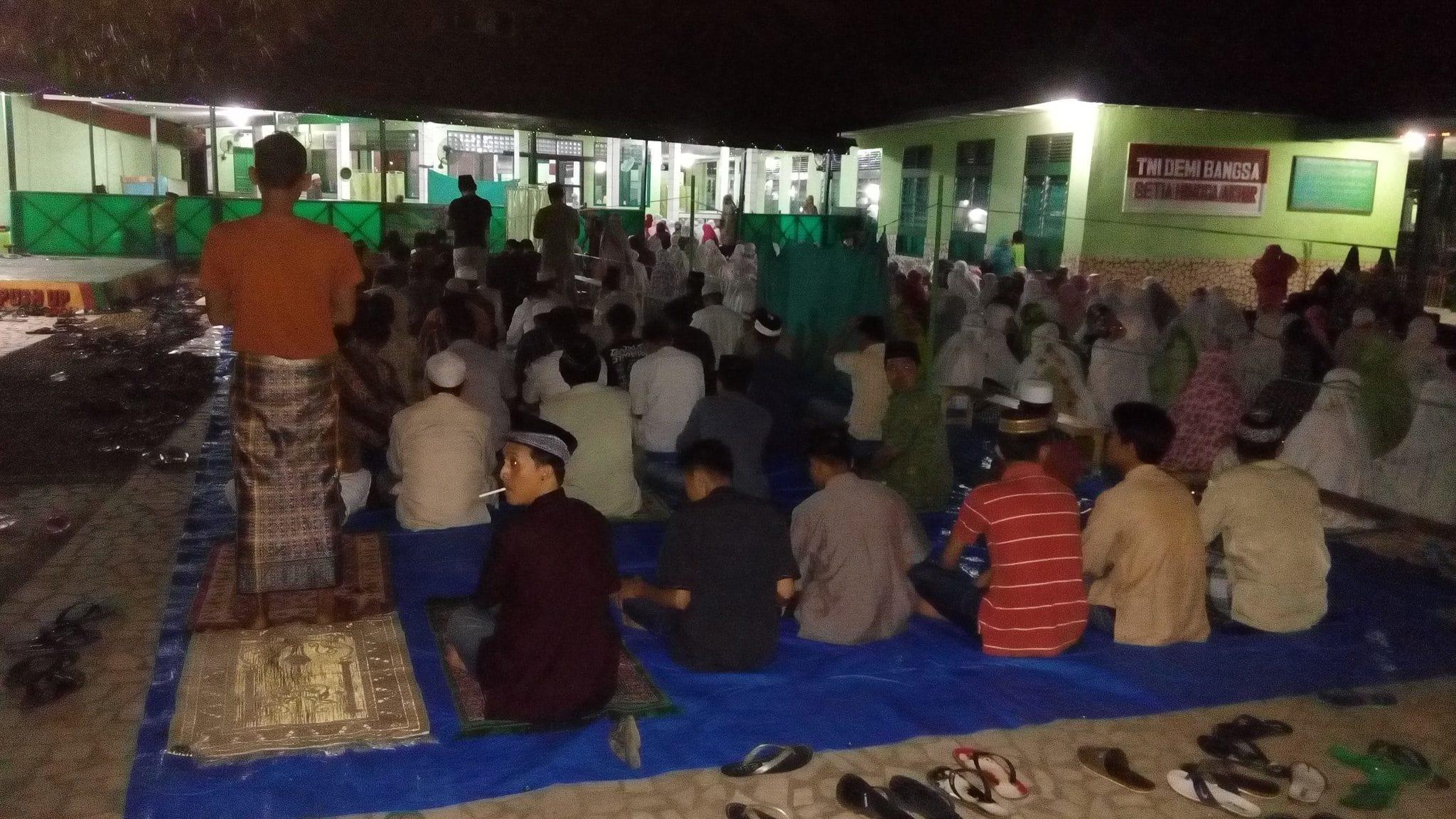 Kegiatan Tarawih di Mesjid Nurul Iman KODIM 1421 Kab Pangkep Sul-Sel