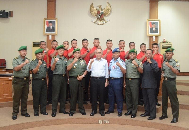 Danrem 031/Wirabima Dampingi Plt Gubernur Riau Memberikan Pembekalan Kepada Calon Taruna Akmil TNI Integratif