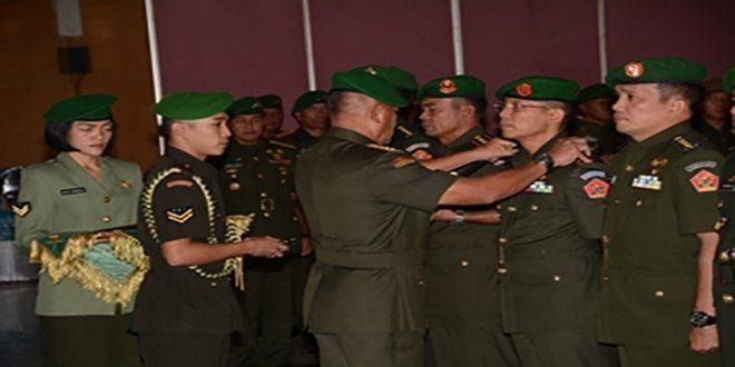 Tiga Jabatan Danpusdik Dan Pamen Ahli Jajaran Kodiklat TNI AD Diserahterimakan