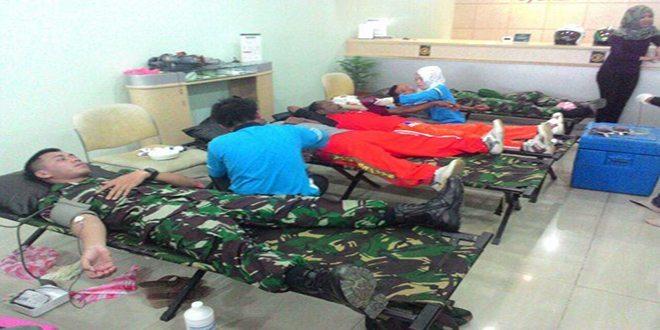 Yonif 752/VYS Ikuti Kegiatan Donor Darah Yang Digelar Bank Mandiri Syariah