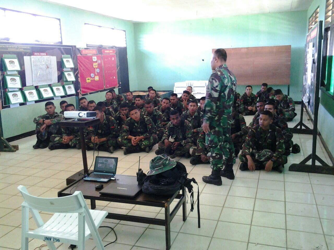 Tingkatkan Pengetahuan Anggota Denma Brigif-20/Ijk Latihan Teori Patroli