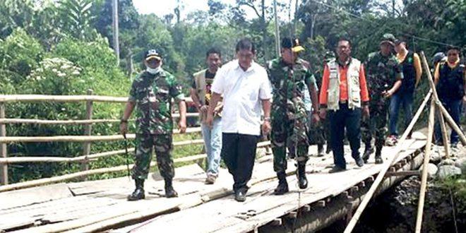 Pangdam I/BB Tinjau Lokasi Pengungsian Erupsi Gunung Sinabung