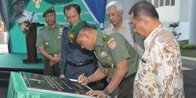 Kasad Jend. Gatot Nurmantyo Resmikan Kampus Baru STMIK Jenderal A. Yani Yogyakarta