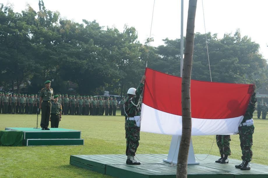 Korem 081/DSJ Laksanakan Upacara 17-san Bulan Juni 2015