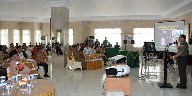 Pangdam XVI/PTM Gelar Acara Ramah Tamah Bersama Tomas Dan Toga Maluku
