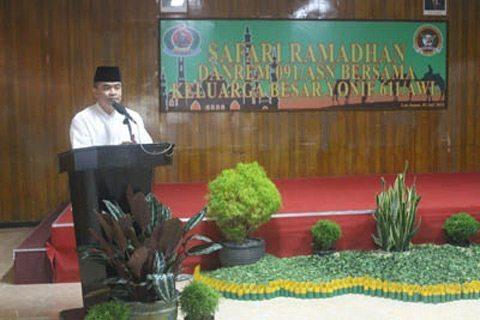 Danrem 091/Asn Safari Ramadhan Ke Yonif 611/Awanglong