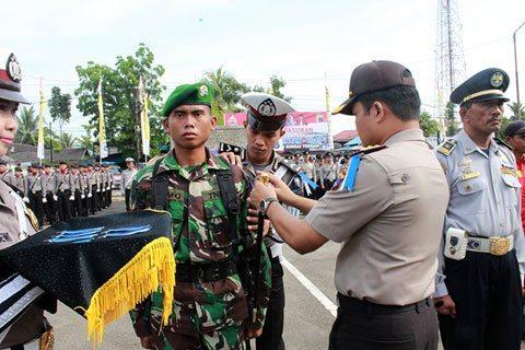 Anggota Kodim 1002/Brb Mengikuti Upacara Gelar Pasukan Pam Lebaran