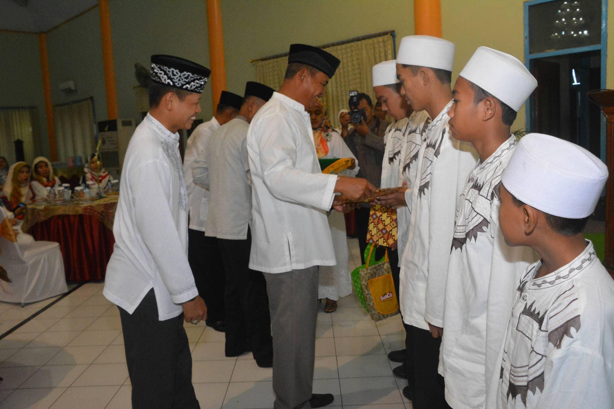 Pangdam Buka Puasa Bersama Warga Korem 084/Bj