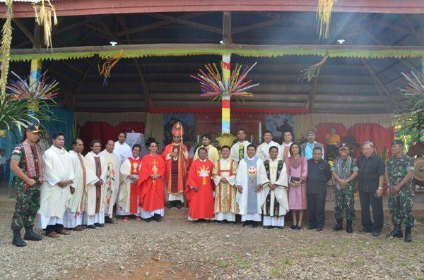 Dansatgas Beserta Umat Khatolik Ikut Dalam Perayaan Syukuran Gereja Santo Antonius Padua Sasi Kefamenanu