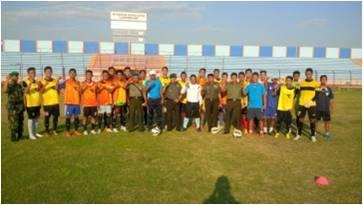 """Dandim 0812/Lamongan menyiapkan tim sepak bola dalam turnamen """" Danrem Cup """""""