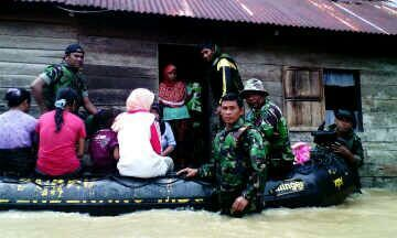 Bantu Korban Banjir Calang, Bekangdam Iskandar Muda Kirim LCR