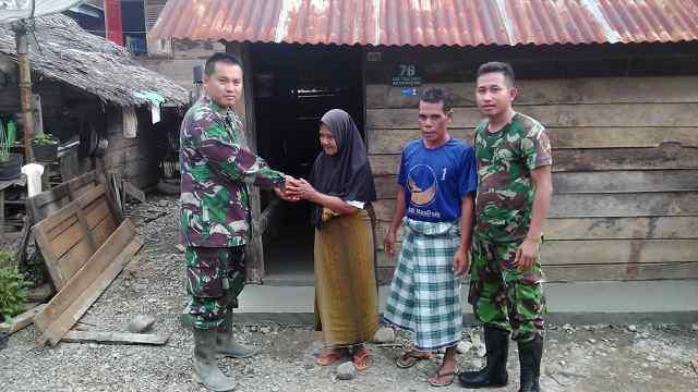 Kodim 0114/Aceh Jaya Lantainisasi Rumah Warga Yang Kurang Mampu