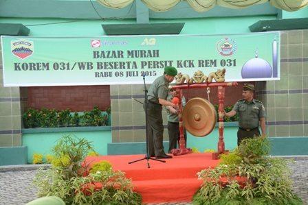 Jelang Lebaran, Korem 031/Wirabima Buka Bazar Murah Untuk Prajurit Dan Masyarakat