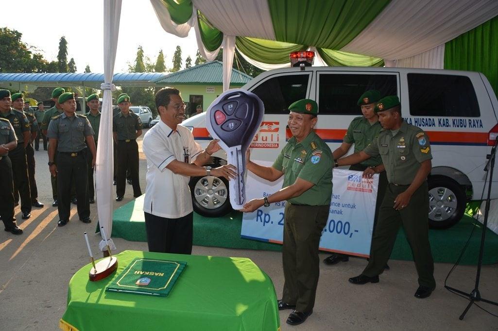 BRI Barito Hibahkan 1 Ambulance