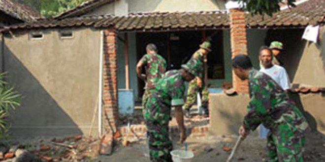 Babinsa Koramil Karangrejo Renovasi RTLH Sebanyak 79 Rumah