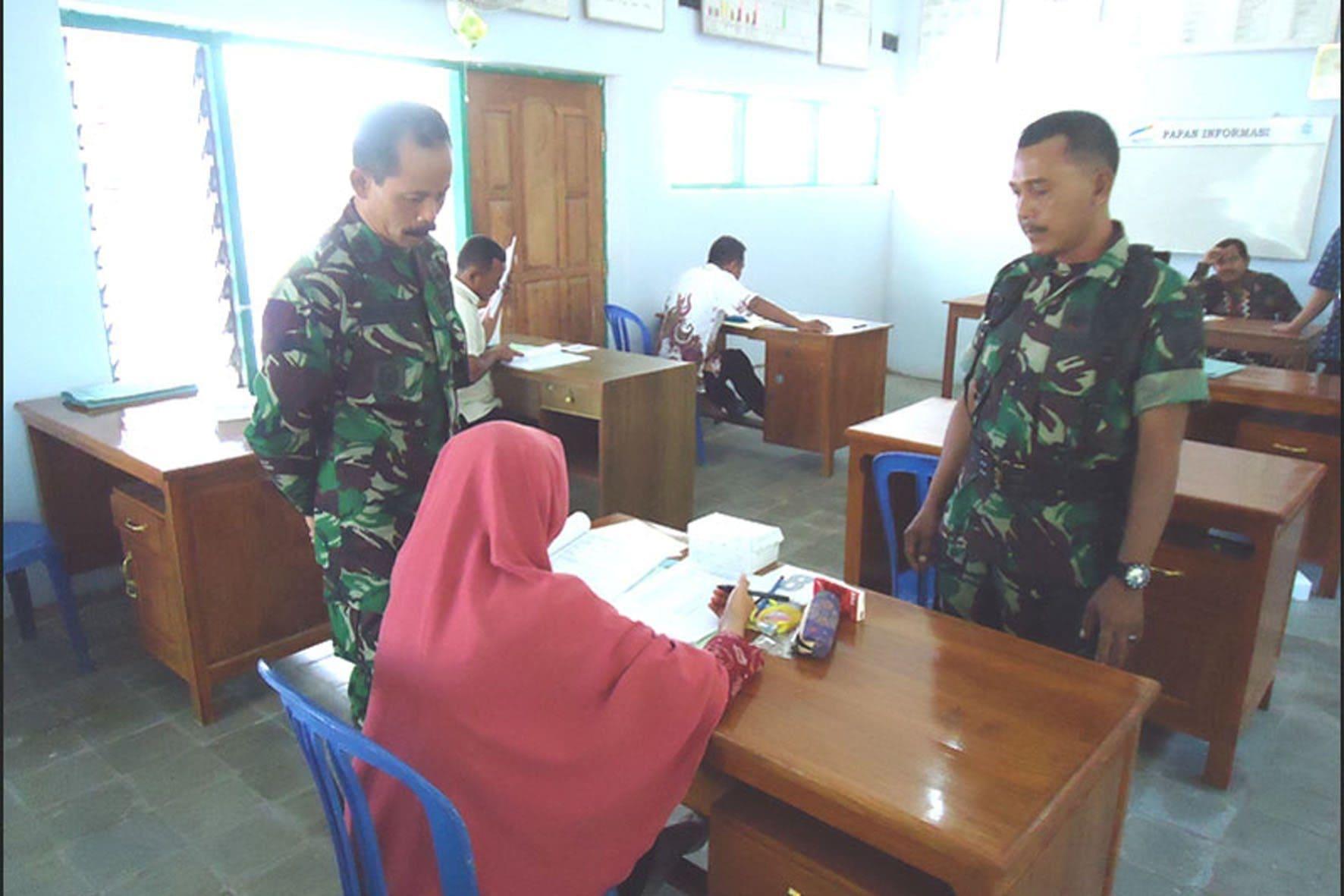 Danramil Bendo Dim Magetan Awasi Ujian Pengisian Perangkat Desa Tanjung