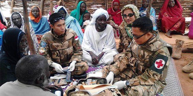 TNI Gelar Pengobatan Massal Gratis di Darfur Barat
