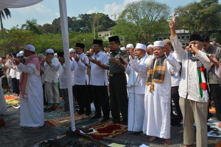 Sholat Istisqo' Memohon Hujan Turun Di Kota Bogor