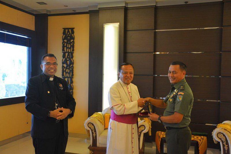 Kasdam Terima Audensi Uskup Mgr Prof.Dr.Ignatius Suharyo Dari Keuskupan TNI-Polri
