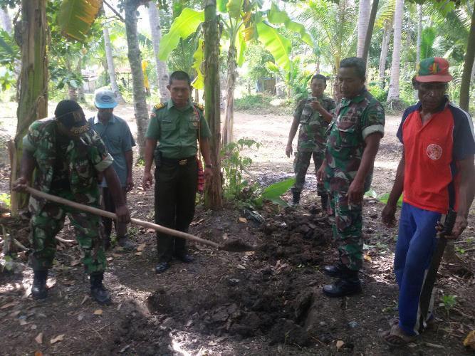 Kodim 1707/Merauke Bangun Jamban Di Distrik Kelapa 5, Kampung Mangga 2 , Kab Merauke