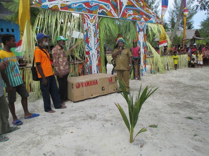 Budaya Tikam Telinga Masyarakat Moiwani Di Didukung Koramil 1709-04/Yapbar