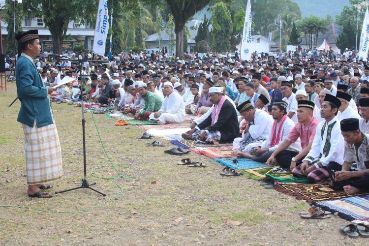 Umat Muslim di Serui Sholat Id di Lapangan Kodim 1709/Yawa Trikora